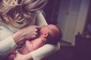 תינוק ואמא